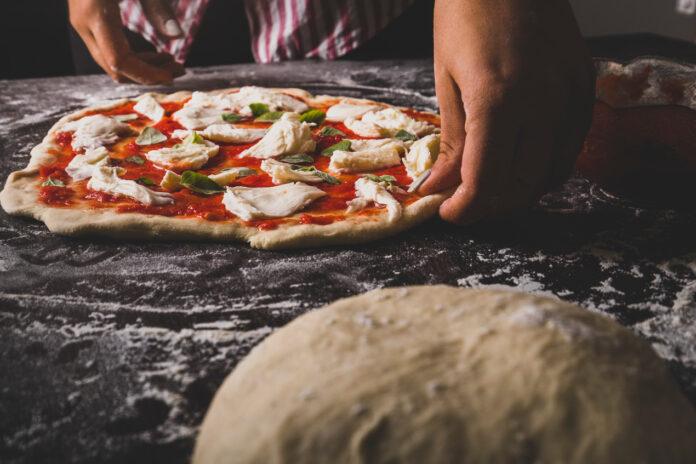 Jakie powinno być dobre ciasto do pizzy?