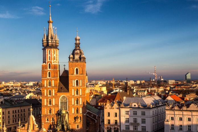 Noclegi w Krakowie z widokiem na kościół Mariacki