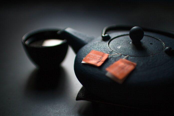 Jak prawidłowo odkamienić czajnik? Jakie środki wykorzystać?